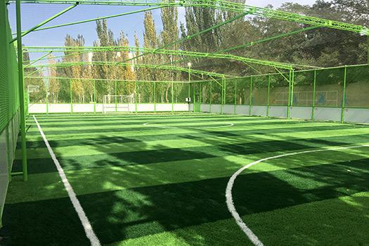 青海油田公司直属学校5人制笼式足球场
